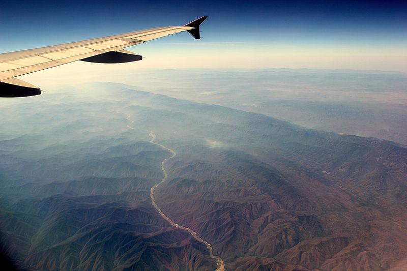 800px-thai_air_asia_flight_fd2761_hs-abw_flying_from_mandalay_international_airport_myanmar_to_don_mueng_airport_bangkok_thailand_feb_2013_8581663349